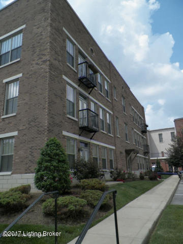 Condominium, Traditional - Louisville, KY (photo 2)