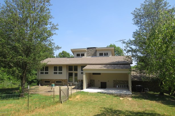 Single Family Residence, Bungalow - Fisherville, KY