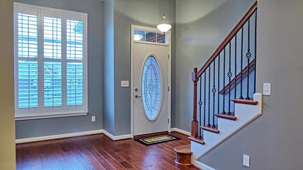 Single Family Residence, Patio - Louisville, KY (photo 2)
