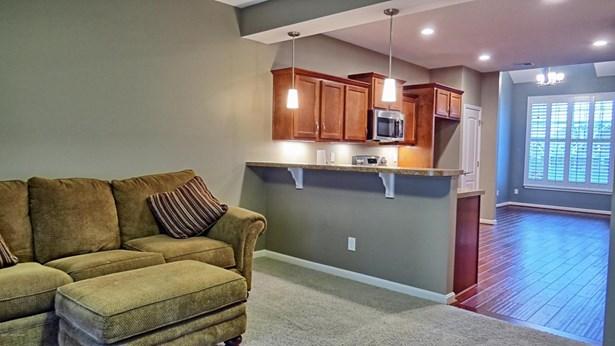 Single Family Residence, Patio - Louisville, KY (photo 4)