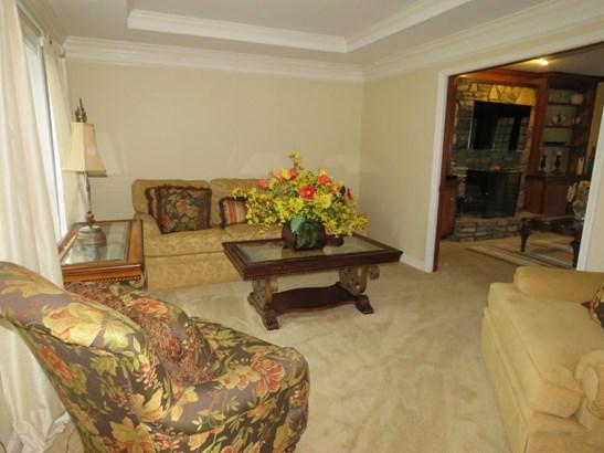 Single Family Residence, Open Plan - Louisville, KY (photo 3)