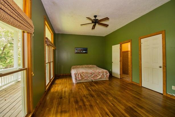 Single Family Residence, 1.5 Stories - La Grange, KY (photo 4)