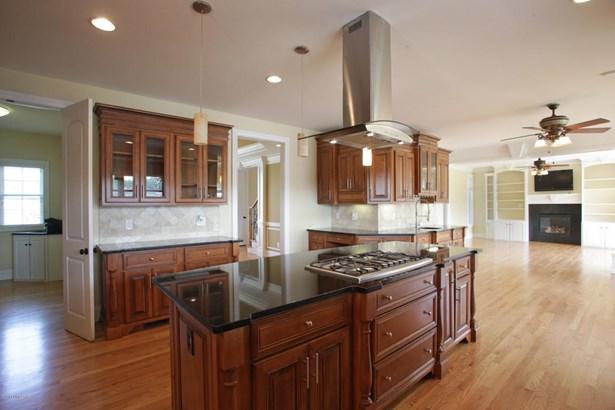 Single Family Residence, Traditional - Crestwood, KY (photo 5)