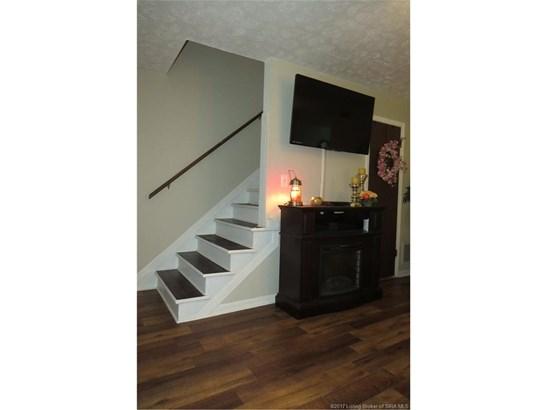 Residential, 2 Story,Condominium - Jeffersonville, IN (photo 4)