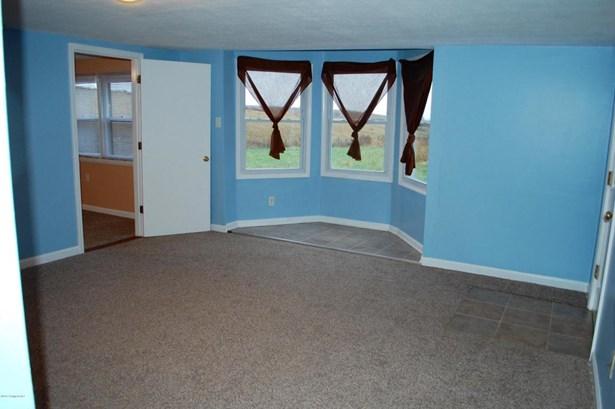 Single Family Residence, 1.5 Stories - Taylorsville, KY (photo 5)