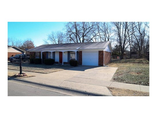 1 Story, Residential - Jeffersonville, IN (photo 2)