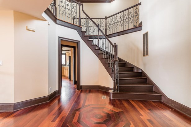 Single Family Residence, Contemporary - New Albany, IN (photo 3)