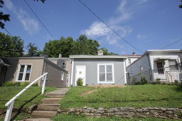 Single Family Residence, Camelback - Louisville, KY (photo 2)