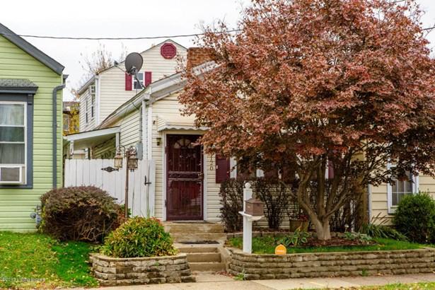 Single Family Residence, Camelback - Louisville, KY (photo 1)