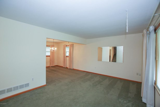Single Family Residence, Quad Level - Louisville, KY (photo 4)