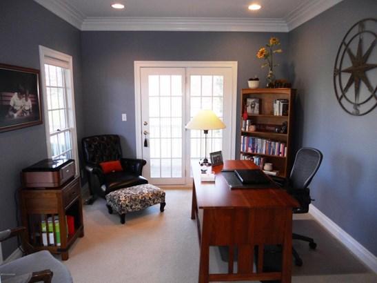 Cape Cod, Single Family Residence - Prospect, KY (photo 5)