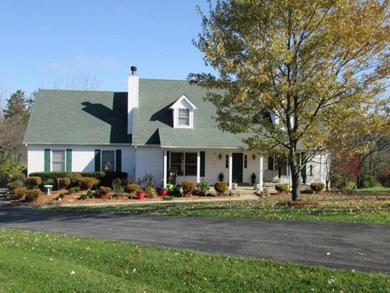 Cape Cod, Single Family Residence - La Grange, KY