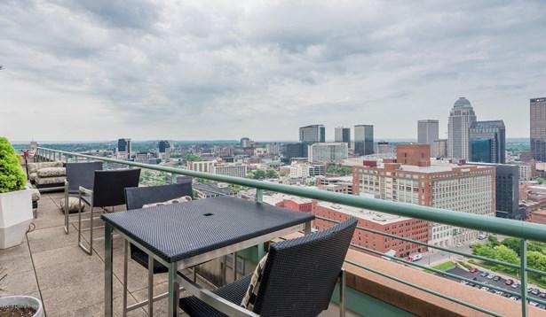 1 Story, Condominium - Louisville, KY