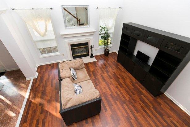 Single Family Residence, 2 Story - Louisville, KY (photo 5)