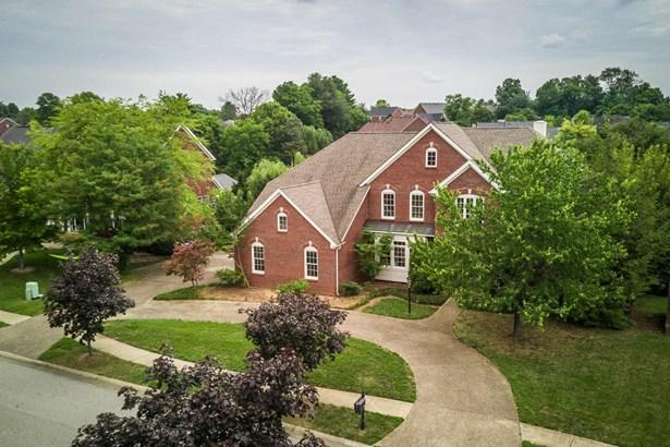Single Family Residence, 2 Story - Louisville, KY (photo 2)