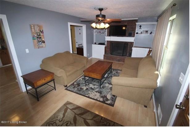 Cape Cod, Single Family Residence - Goshen, KY (photo 2)