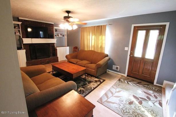 Cape Cod, Single Family Residence - Goshen, KY (photo 4)