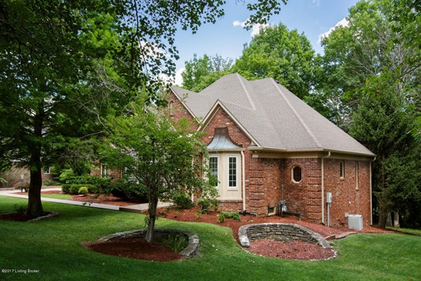 Single Family Residence, Traditional - Louisville, KY (photo 1)