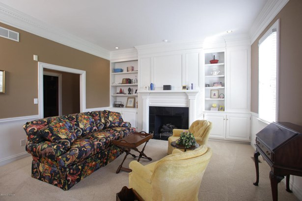 Single Family Residence, Colonial - Louisville, KY (photo 4)