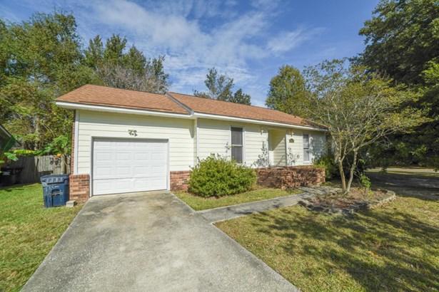 8215 N Ridgebrook Drive, North Charleston, SC - USA (photo 2)