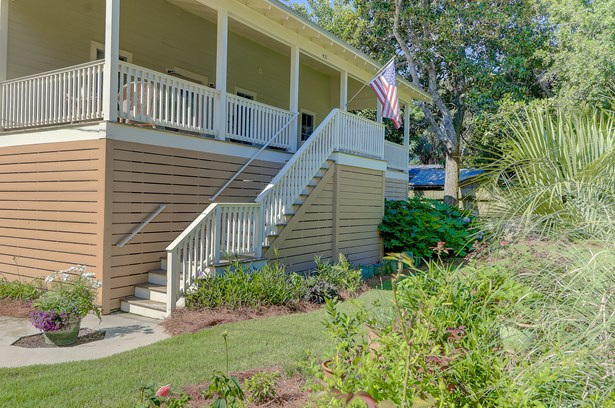 421 E Hudson Avenue, Folly Beach, SC - USA (photo 5)