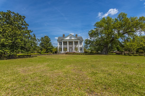 366  Avenue Of The Oaks , Moncks Corner, SC - USA (photo 2)