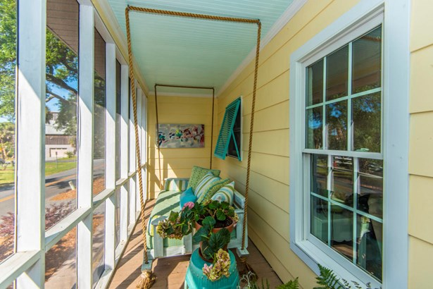 504 E Cooper Avenue, Folly Beach, SC - USA (photo 3)