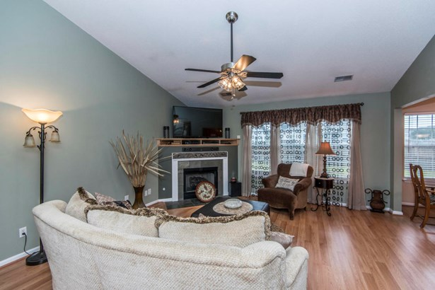1304  Weavers Way, Hanahan, SC - USA (photo 4)