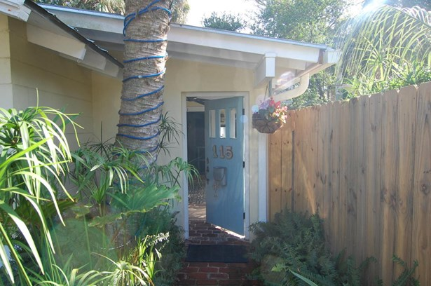 115 E Erie Avenue, Folly Beach, SC - USA (photo 3)