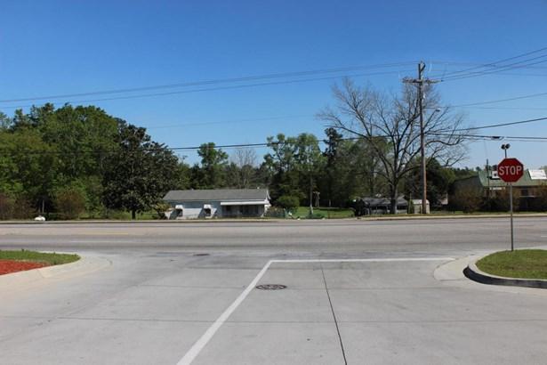 126 N Highway 52 , Moncks Corner, SC - USA (photo 2)