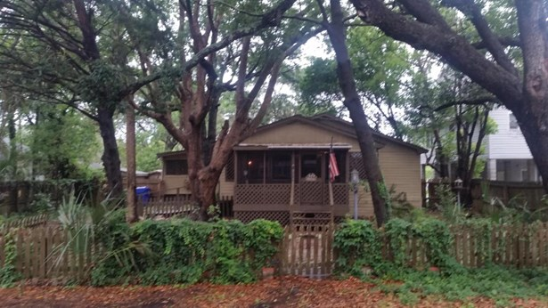 716 E Cooper Avenue, Folly Beach, SC - USA (photo 1)