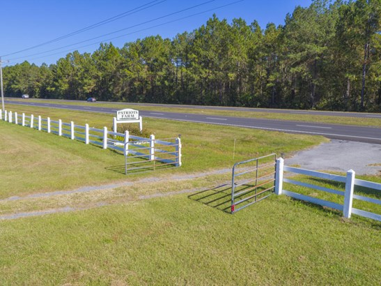 10970 N Highway 17 , Mcclellanville, SC - USA (photo 2)
