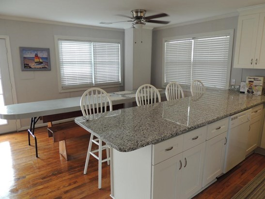 1403 E Ashley Avenue A, Folly Beach, SC - USA (photo 4)