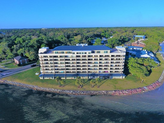 Condominium, Low-rise (1-3 Floors) - Panama City, FL (photo 2)