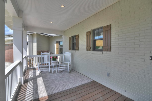 Detached Single Family, Craftsman Style - Lynn Haven, FL (photo 3)