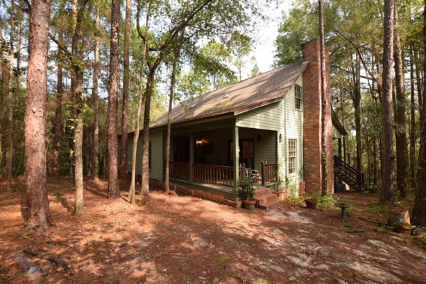 Detached Single Family, Craftsman Style - Alford, FL (photo 1)