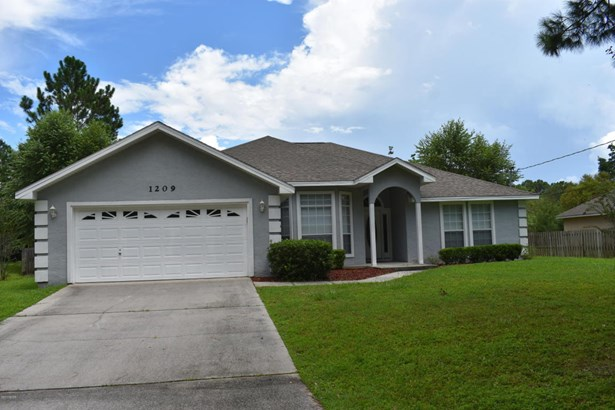Detached Single Family, Traditional - Lynn Haven, FL (photo 2)