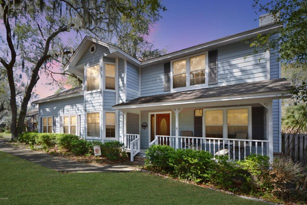 Detached Single Family, Victorian - Lynn Haven, FL (photo 1)