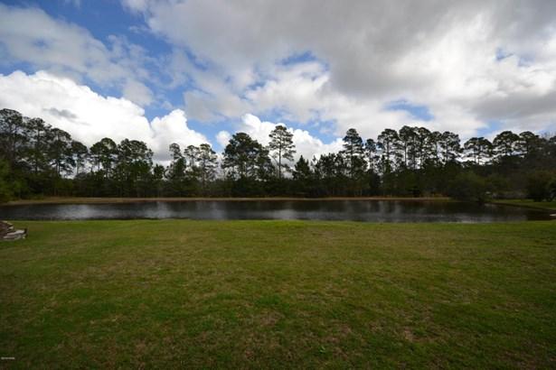 Detached Single Family, Contemporary - Lynn Haven, FL (photo 5)