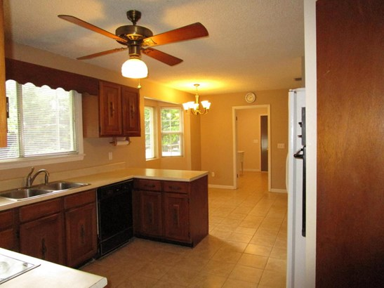 Detached Single Family, Ranch - Marianna, FL (photo 5)