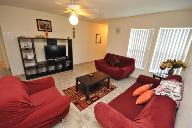 Condominium, Low-rise - Panama City Beach, FL (photo 1)