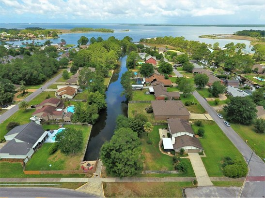 Detached Single Family, Colonial - Lynn Haven, FL (photo 3)