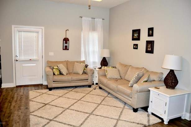 Detached Single Family, Craftsman Style - Panama City, FL (photo 3)