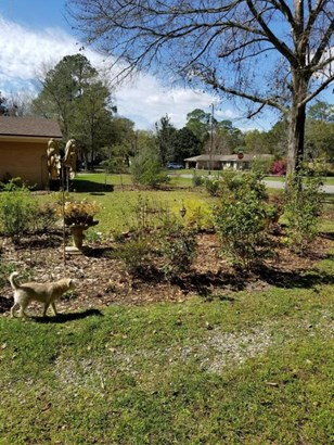 Detached Single Family, Traditional - Lynn Haven, FL (photo 4)