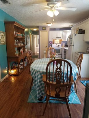 Detached Single Family, Bungalow - Lynn Haven, FL (photo 5)