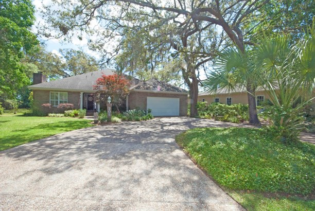 Detached Single Family, Craftsman Style - Lynn Haven, FL (photo 2)