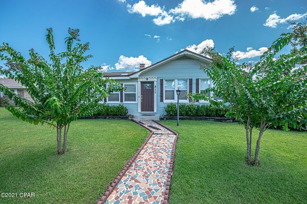 Detached Single Family, Bungalow - Lynn Haven, FL