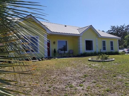 Detached Single Family, Ranch - Lynn Haven, FL (photo 2)