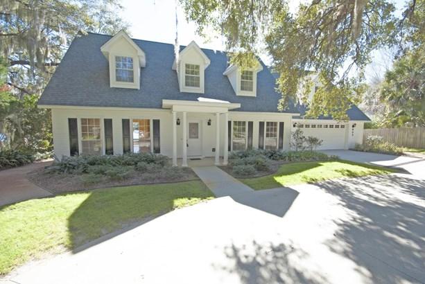 Detached Single Family, Colonial - Lynn Haven, FL