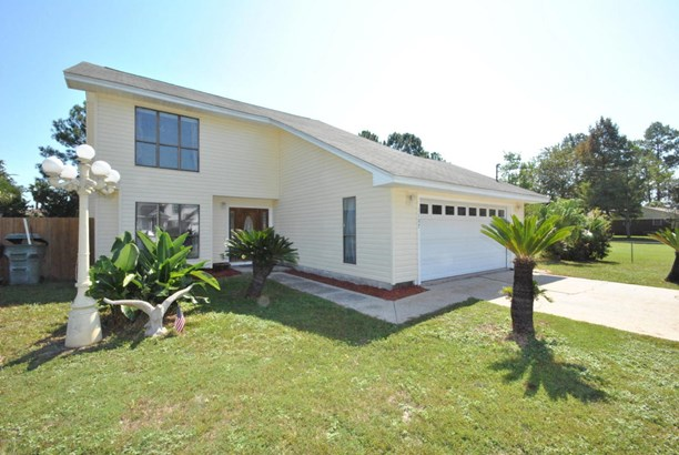 Detached Single Family, Contemporary - Lynn Haven, FL (photo 1)